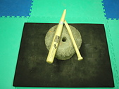 功力擊破用品:下段旋踢擊斷後的34吋球棒