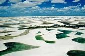 世界十大迷人沙漠:3、擁有藍湖的沙漠:巴西的拉克依斯-馬拉赫塞斯