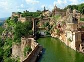 世界各地迷人的風光:印度的奇托爾加赫城堡.jpg