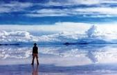 世界十大迷人沙漠:5、世界上最大的鹽沙漠:玻利維亞的烏尤尼鹽原