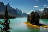 世界各地迷人的風光:加拿大阿爾比省精靈島瑪琳湖.jpg