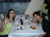泰國初體驗畢旅篇--同學拍的:1128053009.jpg