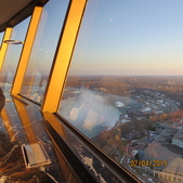 15-04-01(10)加拿大-安大略省-尼加拉瀑布城-Skylon Tower晚餐:Skylon Tower9旋轉餐廳。窗外的馬蹄瀑布.JPG