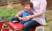 15-02-21竹山-竹屋部落(巨竹餐廳)(春節聚餐):竹屋部落(巨竹餐廳)4小毛怪跟媽媽坐.JPG