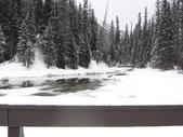 13-03-18(5)優鶴國家公園-翡翠湖和天然石橋和8字型螺旋鐵路隧道:翡翠湖14木橋另一面景色.JPG