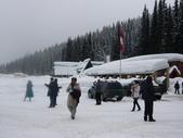 13-03-17(3)冰河國家公園-羅傑士峽道遊客中心:羅傑士峽道遊客中心12附近景色.JPG