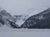13-03-17(5)班夫國家公園-露易絲湖和露易絲湖城堡飯店:露易絲湖20上方的維多利亞冰河,真的是藍藍的.JPG