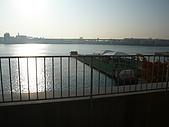 09-10-31(1)日本-大阪- HOTEL UNIVERSAL PORT:UNIVERSAL3早晨的窗外.JPG