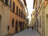 14-03-29(3)托斯卡尼-蒙特普魯查諾(暮光之城):蒙特普魯查諾7離開平台才開始進城。(Montepuclciano)之所以會開始紅起來,是因為暮光之城拍攝地.JPG