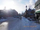 13-03-17(11)班夫小鎮:班夫小鎮3横向就是班夫大街,觸目都是歐式建築,顯得古樸典雅.JPG