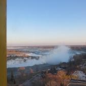 15-04-01(10)加拿大-安大略省-尼加拉瀑布城-Skylon Tower晚餐:Skylon Tower4在透明電梯拍到的尼加拉瀑布(Niagara Fall)。