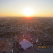 15-04-01(10)加拿大-安大略省-尼加拉瀑布城-Skylon Tower晚餐:Skylon Tower20旋轉餐廳。窗外的天際線夕陽.JPG