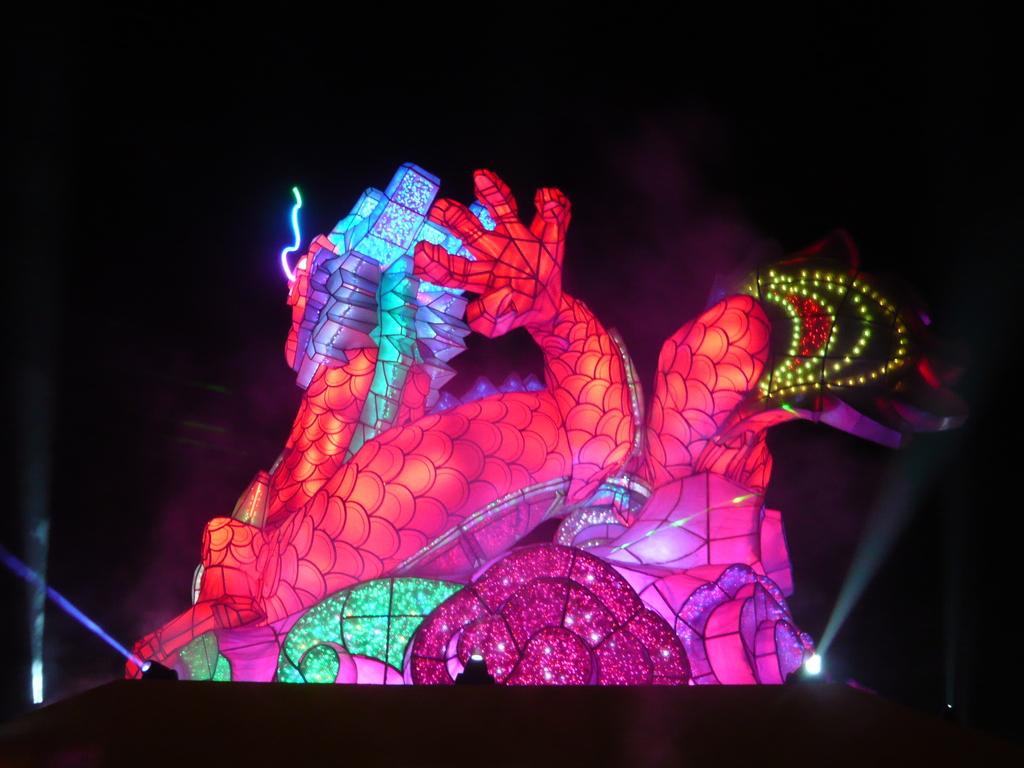 12-02-13(5)彰化-鹿港(2012年台灣燈會):燈會20主燈秀-龍翔霞蔚.JPG
