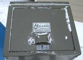 13-03-18(4)費爾德鎮-觀光局資訊中心:費爾德資訊中心10防熊垃圾桶,不讓熊翻裡面人類吃剩的食物.jpg