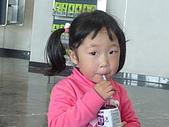 10-2-25(2)澳門-國際機場:國際機場8同團的小可愛.JPG