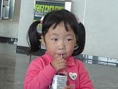 10-2-25(2)澳門-國際機場:國際機場9同團的小可愛.JPG