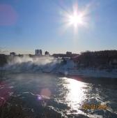 15-04-02(2)加拿大-安大略省-尼加拉瀑布和桌岩瀑布後探險:尼加拉瀑布5難得一見的結冰美景.JPG