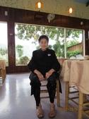 15-02-21竹山-竹屋部落(巨竹餐廳)(春節聚餐):竹屋部落(巨竹餐廳)5皇太后穿大女兒買的3萬2千元的大衣.JPG