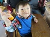15-02-21竹山-竹屋部落(巨竹餐廳)(春節聚餐):竹屋部落(巨竹餐廳)14小毛怪總是笑盈盈地.JPG