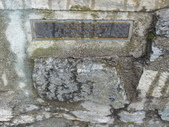 13-03-18(10)老鷹峽谷-最後一根釘紀念碑:紀念碑15Newfoundland and Labrador(纽芬蘭島省)的石頭.JPG