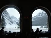 13-03-17(5)班夫國家公園-露易絲湖和露易絲湖城堡飯店:露易絲湖10飯店餐廳的窗.JPG