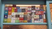 17-12-08南投縣-竹山鎮-洪家客棧:洪家客棧4另一房間展出形形色色的火柴盒.jpg