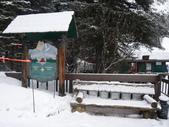 13-03-18(5)優鶴國家公園-翡翠湖和天然石橋和8字型螺旋鐵路隧道:翡翠湖3湖邊原住民開設的禮品店