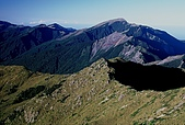 高山湖泊-嘉明湖:向陽山看關山 塔關山 關山嶺山