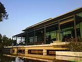 971207新竹峨眉湖二泉湖畔:基本上,建築的感覺~我還挺喜歡的