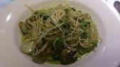 1010806小聚會~梵谷餐廳:青醬海鮮~麵軟了點~醬料不錯吃