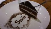 1010806小聚會~梵谷餐廳:笑一個~蛋糕
