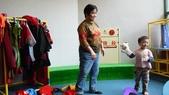 1010318台中兒童藝術館溜小孩:變裝的衣服很舊了~應該要更換了吧!大失望
