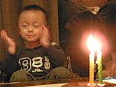 991223允昱2歲生日慶生會IN古華明皇樓:小昱最近喜歡用下巴作表情