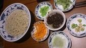 1011018南港餡老滿餃子館~下飛機第一餐:老北京炸醬麵~自己組裝,還不錯吃