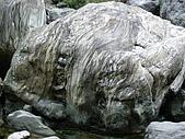 960615~17花蓮之旅:大石的紋路