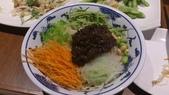 1011018南港餡老滿餃子館~下飛機第一餐:吃老北京口味的炸醬麵跟台灣的有啥不同