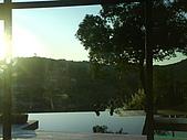 971207新竹峨眉湖二泉湖畔:大的落地窗看出去