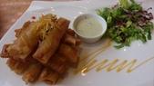 1010812台中Bug&Bee泰式創意料理:海鮮魚捲~這不錯吃,是完整的魚肉