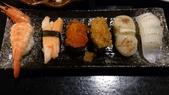 1010413平鎮黑潮魚料理:黑潮握壽司~這配料比較特別,跟綜合握壽司不同,