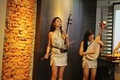 皇媂樂團 「皇媂再臨」Mv首播見面會  語彤-點點「有你陪我」單曲發表會9/28: