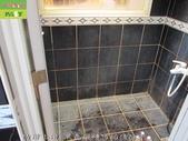 246-浴室磁磚污垢清除-防滑止滑-浴室黑色磁磚牆面與地面及玻璃污垢清除:2防滑止滑-黑色磁磚污垢清除前.jpg