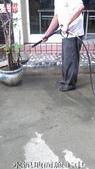 59-防滑止滑-社區中庭水泥-各類花崗岩地面青苔污垢清除:11水泥地面施工中.jpg