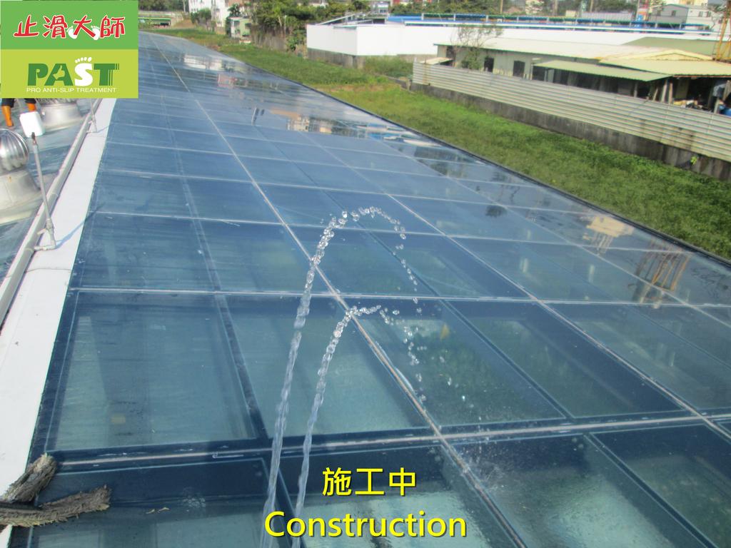 1204 溫室-屋頂-強化玻璃採光罩-清除水垢工程 - 相片:1204 溫室-屋頂-強化玻璃採光罩-清除水垢工程 (23).JPG