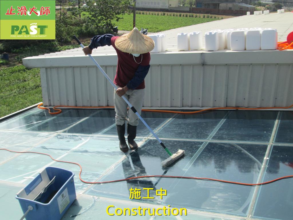 1204 溫室-屋頂-強化玻璃採光罩-清除水垢工程 - 相片:1204 溫室-屋頂-強化玻璃採光罩-清除水垢工程 (12).JPG