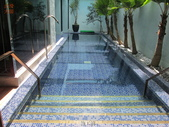台中市汽車旅館馬賽克磁磚游泳池止滑施工:7施工前-止滑大師-止滑劑防滑劑止滑防滑施工