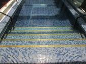 台中市汽車旅館馬賽克磁磚游泳池止滑施工:8施工前-止滑大師-止滑劑防滑劑止滑防滑施工
