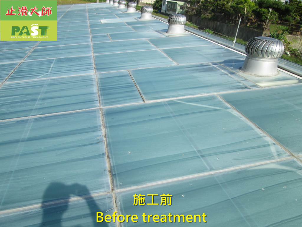 1204 溫室-屋頂-強化玻璃採光罩-清除水垢工程 - 相片:1204 溫室-屋頂-強化玻璃採光罩-清除水垢工程 (6).JPG