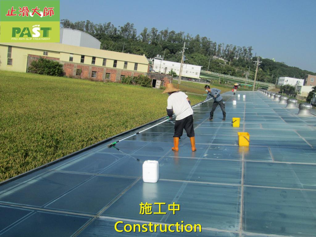 1204 溫室-屋頂-強化玻璃採光罩-清除水垢工程 - 相片:1204 溫室-屋頂-強化玻璃採光罩-清除水垢工程 (16).JPG