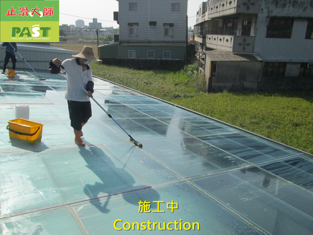 1204 溫室-屋頂-強化玻璃採光罩-清除水垢工程 - 相片:1204 溫室-屋頂-強化玻璃採光罩-清除水垢工程 (21).JPG