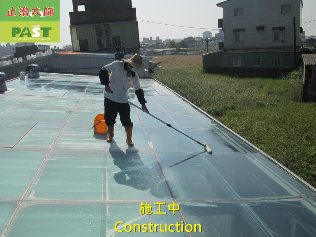 1204 溫室-屋頂-強化玻璃採光罩-清除水垢工程 - 相片:1204 溫室-屋頂-強化玻璃採光罩-清除水垢工程 (15).JPG